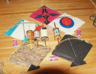 kite flying fighting india line spool manjha patang dor independence day