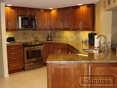 Finished kitchens blog 07 21 06 for Kitchen cabinets gumtree