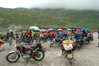 The climb to Rohtang begins here