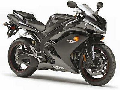 Photo: motorcyclenews.com. 2007 R1
