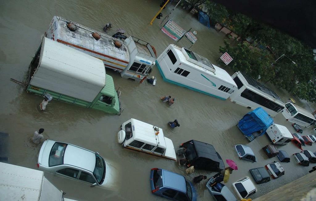 Mumbai During July 26 2005 Floods on Intro To Technical Writing