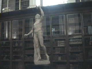 Yet another Statue of a Naked Guy