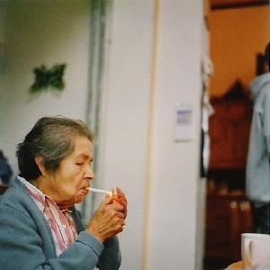 Cette bonne vienne tante Jeannine et sa cigarette.