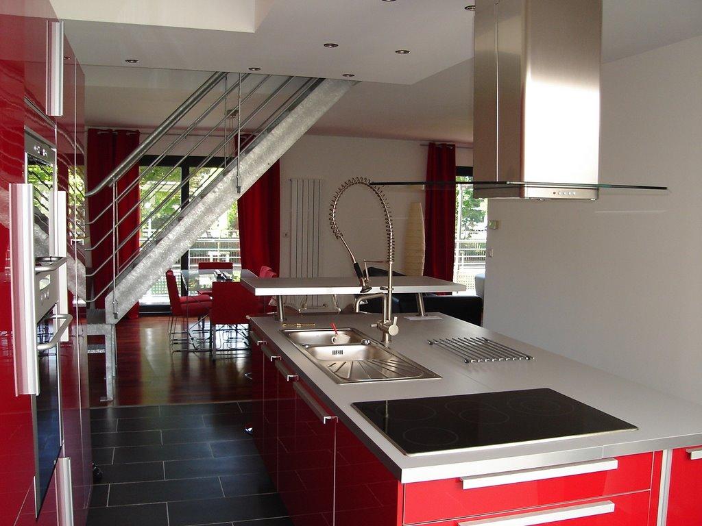 Maison atypique cuisine centrale for Cuisine centrale