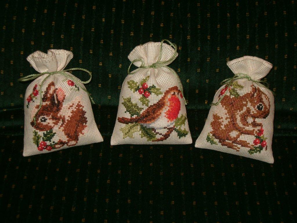 Du four au jardin et mes dix doigts trois petits sacs et for Alexandre jardin mes trois zebres