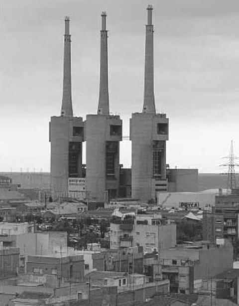 Revista monsacro patrimonio industrial el debate de las tres chimeneas san adri barcelona - Chimeneas barcelona ...