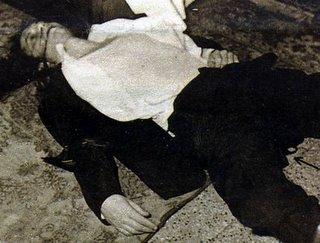 Il cadavere di Luigi Tenco, nella camera 219 dell'Hotel Savoy