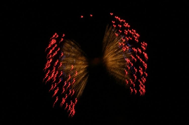 Fogo de artifício do ar durante a Feira de São João 2006, em Badajoz
