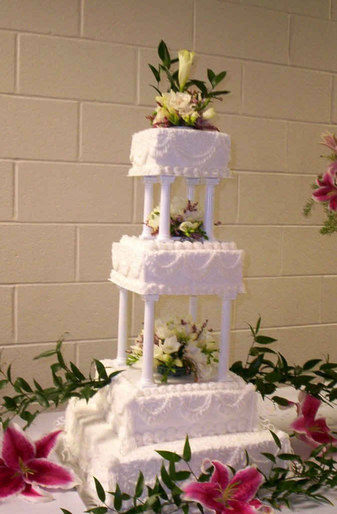 Square Wedding Cakes On Pillars Cake Ideas
