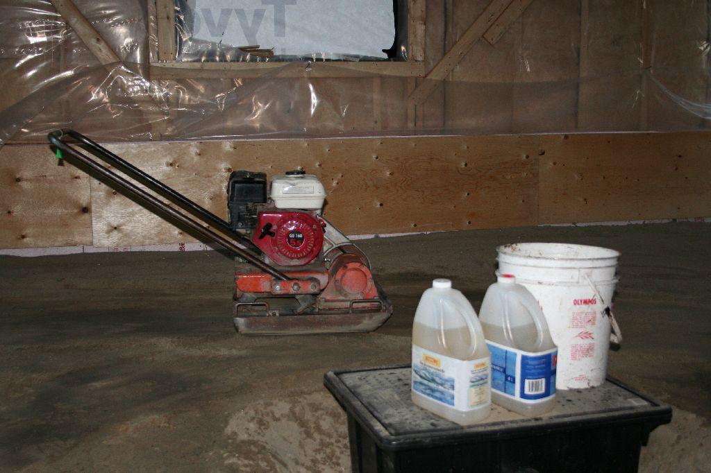 Shink compaction du sable du garage - Comment compacter du sable ...