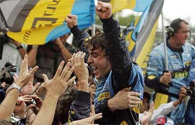 El mejor piloto del mundo celebra su título