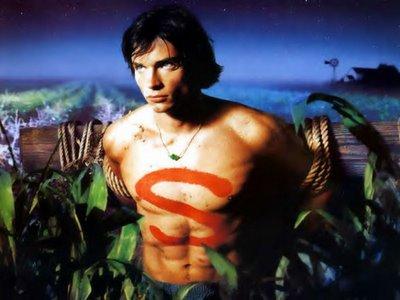 Tom Welling en el papel del joven Clark Kent, el protagonista de Smallville