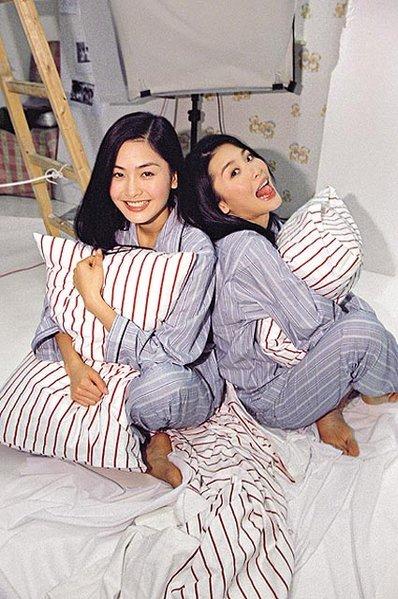 TVB Generation «·._.·´¯)★: Family Ties: Niki Chow & Kathy Chow
