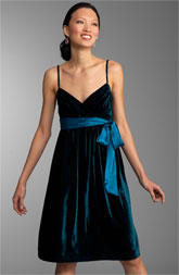 Everyday chic good bad ugly velvet evening dresses i hate repeating myself so ill keep it short simple elegant sleek emphasis on fabric itself velvet dresses are best worn when they are little dresses junglespirit Image collections
