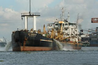Ship discharging near Fort Kochi