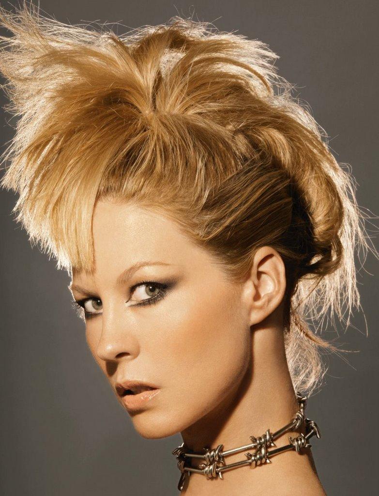Girls Cut It Short Poor Jenna Elfman Hair Disaster