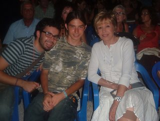 Er Zeky y Lluís con Laura Valenzuela