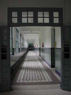 Un pasillo de la facultad