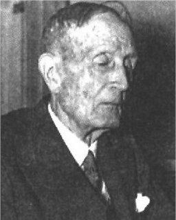 Azorín en su etapa de senectud, con 92 años