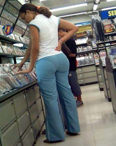 Morena rabuda da loja de roupas 6