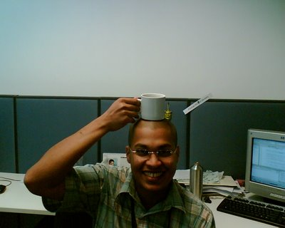 Warming the scalp with my tea cup