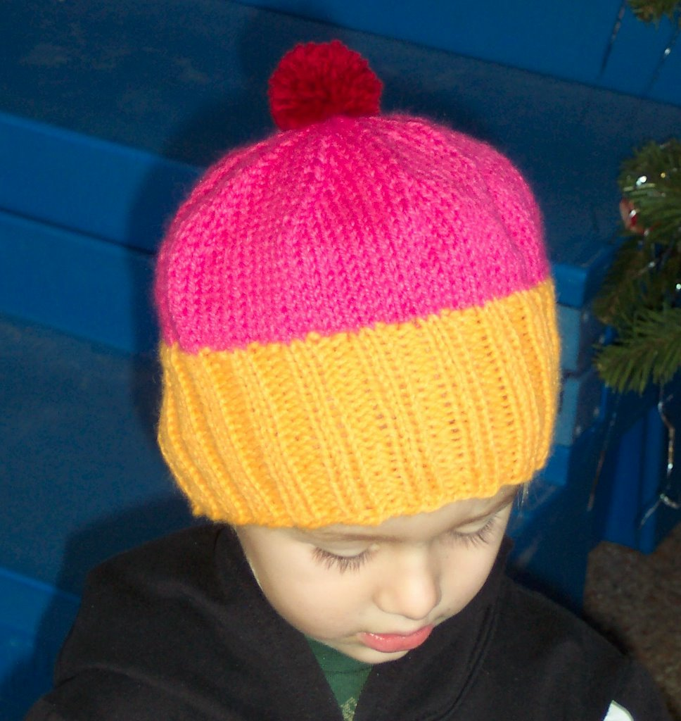 FunkyMoeKnits: Free Pattern- My Cupcake Hat