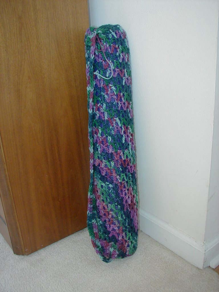 Crochet Yoga Patterns : HAPPY NEEDLE!: Crocheted Yoga Mat Bag--Pics and pattern