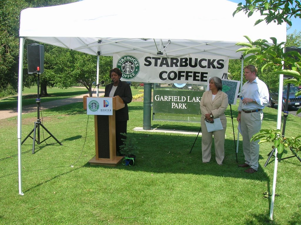 starbucks public relation strategy Noteworthy is that during this process starbucks adopted a low-profile public relations strategy to handle the activist pressure, by minimizing its media publicity, in which it reiterated that it respects the culture of the host country as well as public opinion.