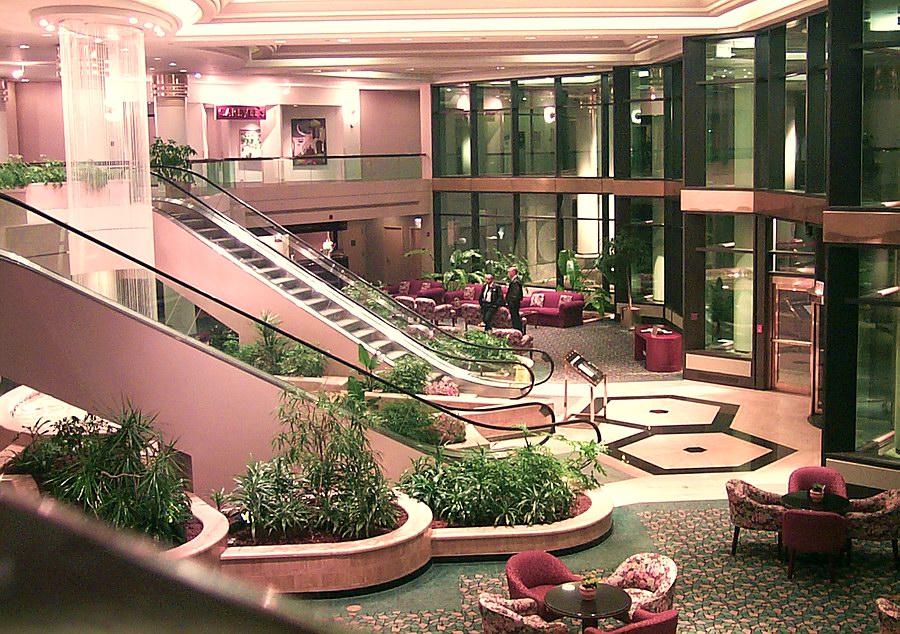 Slaapkamer Hotel Chique : links chique hilton hotel rechts slaapkamer ...