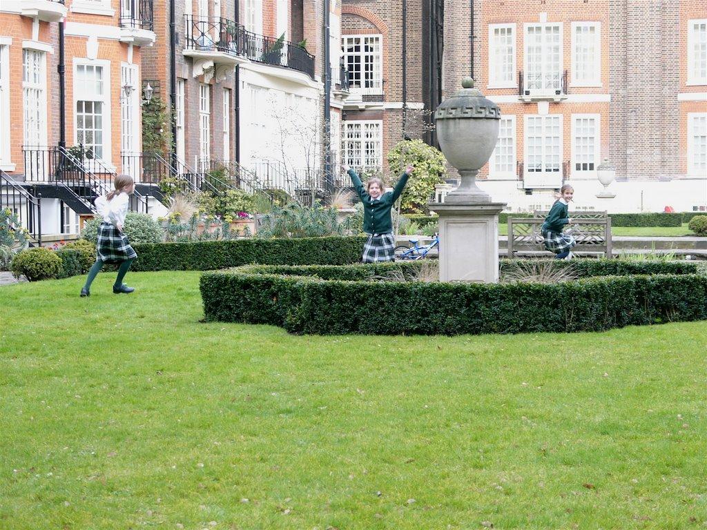 Kristen in London: Garden House School beware