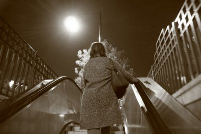 img. paris, metro, pont-de-neuilly, photo dominique houcmant, goldo graphisme