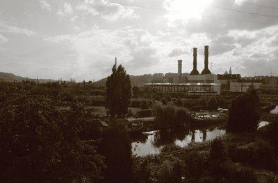 photo du quartier des Aguesses à Liège, le canal de l'Ourthe et le bassin de la Meuse, copyright dominique houcmant, goldo graphisme