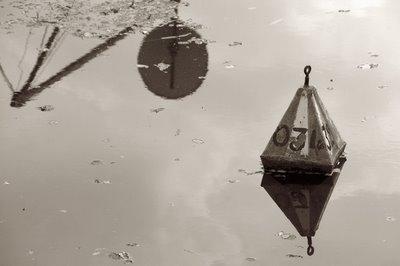 bouée d'amarrage pour barque de pêcheurs, copyright dominique houcmant, goldo graphisme