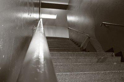 les escaliers des toilettes au Cirque Royal à Bruxelles, copyright dominique houcmant, goldo graphisme