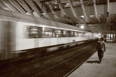 gare TGV des Guillemins à Liège, TGV station, estación TGV, copyright dominique houcmant, goldo graphisme