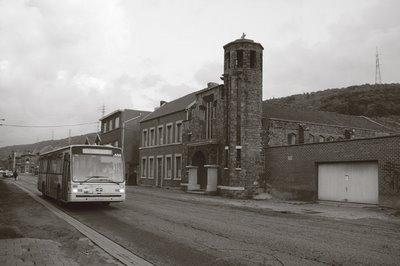 image Ougrée, rue de Renory, le bus du TEC 25\ Gros Hêtre passe ..., photo dominique houcmant, goldo graphisme