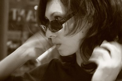 photo girl posing, ray-ban, night, cigarette, photo dominique houcmant, goldo graphisme