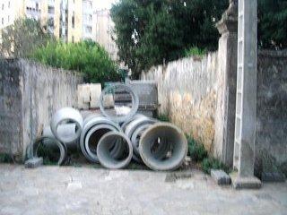 Unha rúa desaparecida polas obras en Ribadeo