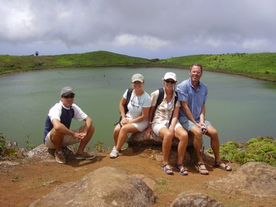 Atop the volcano with Rita and Walter from ´Noa´