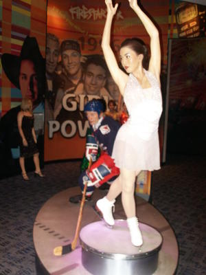 Wayne Gretzky and Michelle Kwan