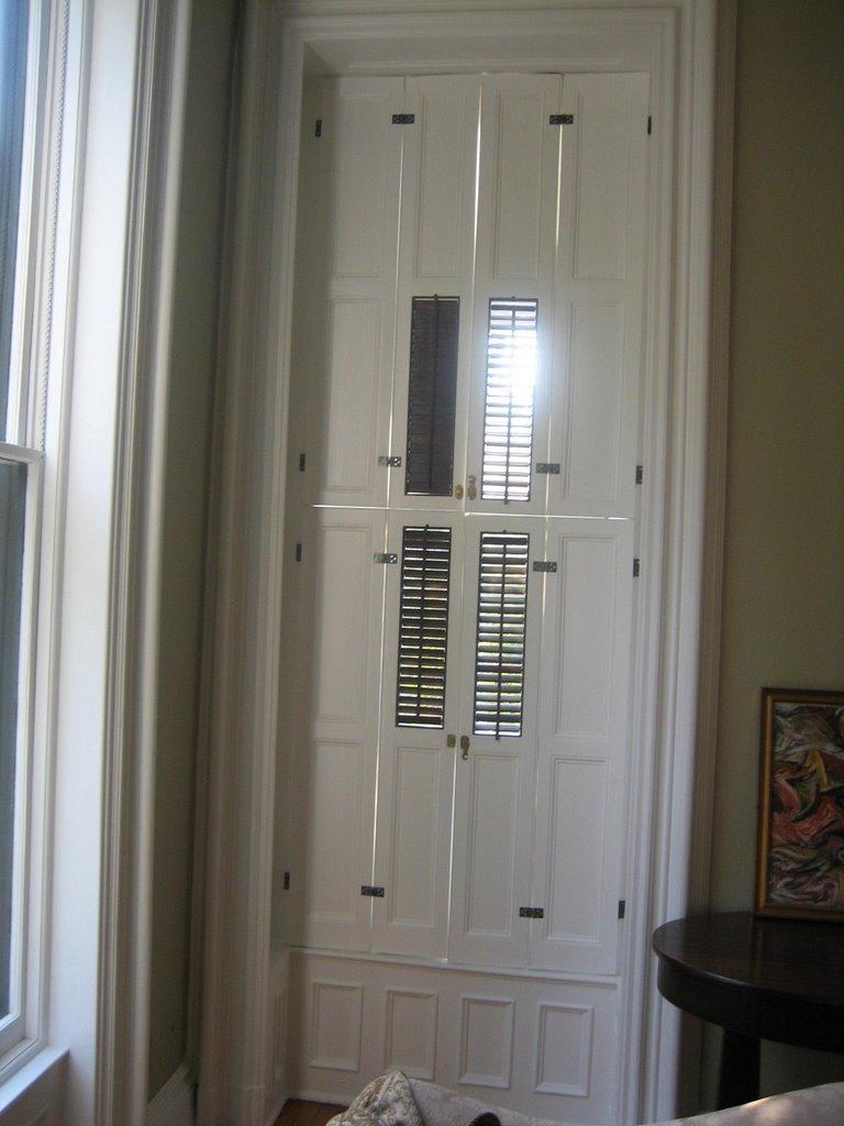 Ex&les of custom made or restored doors & Artistic Wood Crafts Inc.: Examples of custom made or restored doors