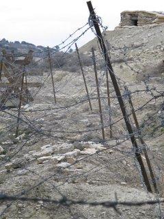 imagen de las trincheras reconstruidas en el monte Irazo