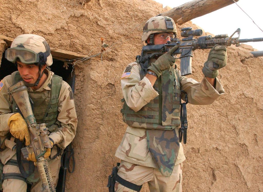 Proud Military Mom M16