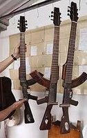 Guitars known as Escopetarras.