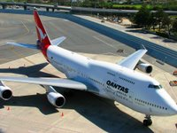 Picture of Qantas airlines 747-400 at San Francisco international airport