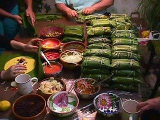http://photos1.blogger.com/blogger/8177/3311/320/hallacas.jpg