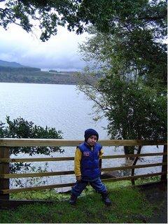 Francisco Con el Lago Villarrica de fondo