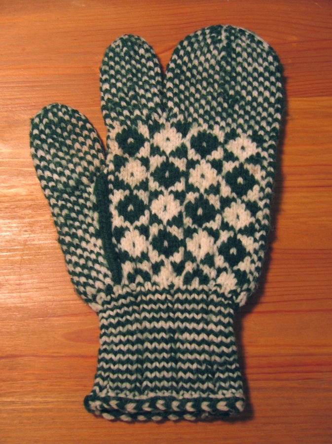 Knitting Pattern For Childs Newfie Mittens : Hedgehog Knits: November 2006