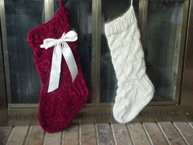 Knitting Pattern For Christmas Stocking Free : Pickin and Throwin: Cabled Christmas Stocking