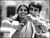Nandita Das with Aamir Khan in 1947 - Earth